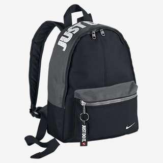 (降)Nike Just Do It 兒童 後背包 小書包 (黑灰)