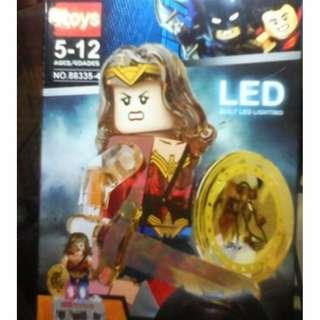 Brick i toys (lego comp) figure transparant wonder woman + led plate
