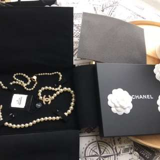 Authentic Iconic Chanel Pearl necklace Brandnew worn by great women in history like Audrey Hepburn and a lot more...