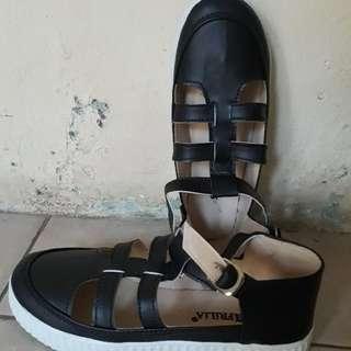 sepatu sandal hits freeong