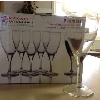 UNOPENED Maxwell Williams Wine Glasses (6)