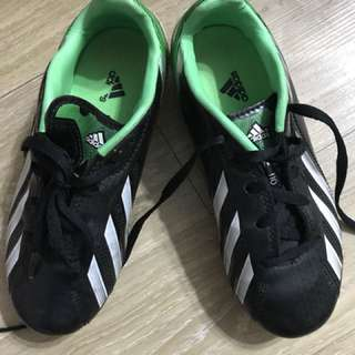0cc0e030df0 Adidas Traxion kids soccer shoes