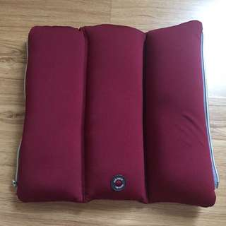 Tri Fold Pillow with Massager High Quality