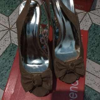 Mendrez woman heels