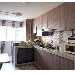 4 Room- 215 Yishun St 21 –  Corner Unit! 5 mins to Yishun MRT / NorthPoint / Many Shops / 24 Hrs Food Center!!