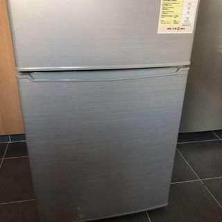 雪櫃(九成新一級能源標籤)