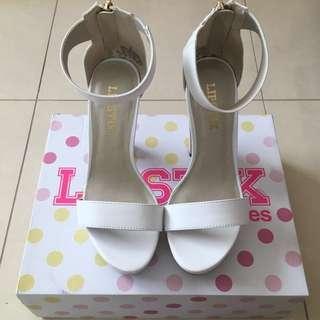 LIPSTIK white heels size 7