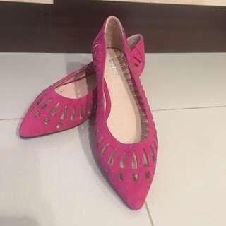 全新ACE+ 桃紅簍空 平底 娃娃鞋 35號