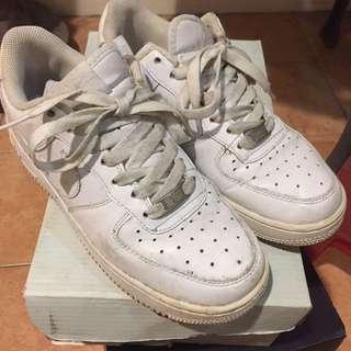 Nike Air Force 低筒