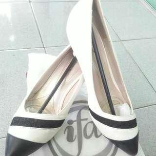 Sepatu Merk Ifa Size 39 (High Heels)