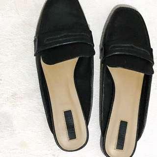 Forever 21 Black Slip-on Sandals