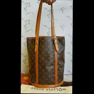Preloved Authentic Louis Vuitton  Bucket Gm Vintage bag (With datecode)