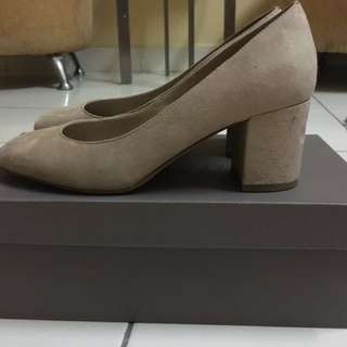 charles & keith pump shoes size 5 nude color
