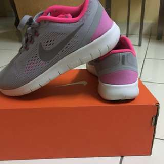 nike running shoes size 5