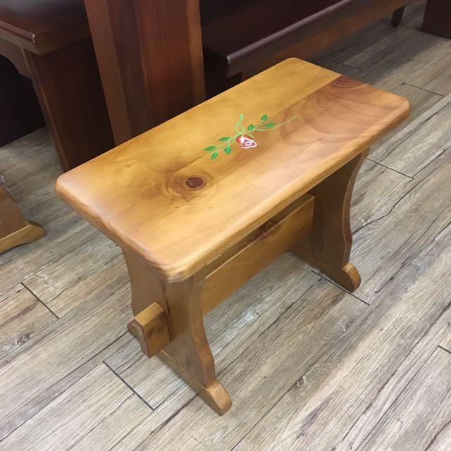 松木實木小板凳