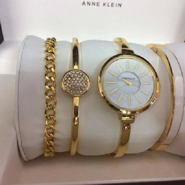 Anne Klein Set