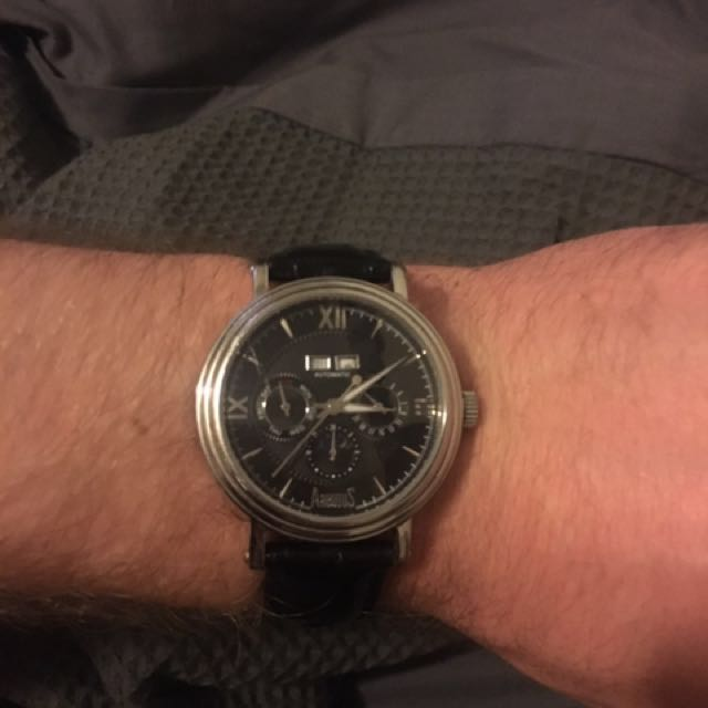 Arbutus New York watch