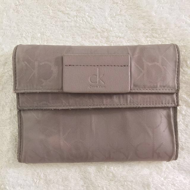 bd420788a7 AUTHENTIC CK CALVIN CLEIN WALLET, Women's Fashion, Bags & Wallets on ...