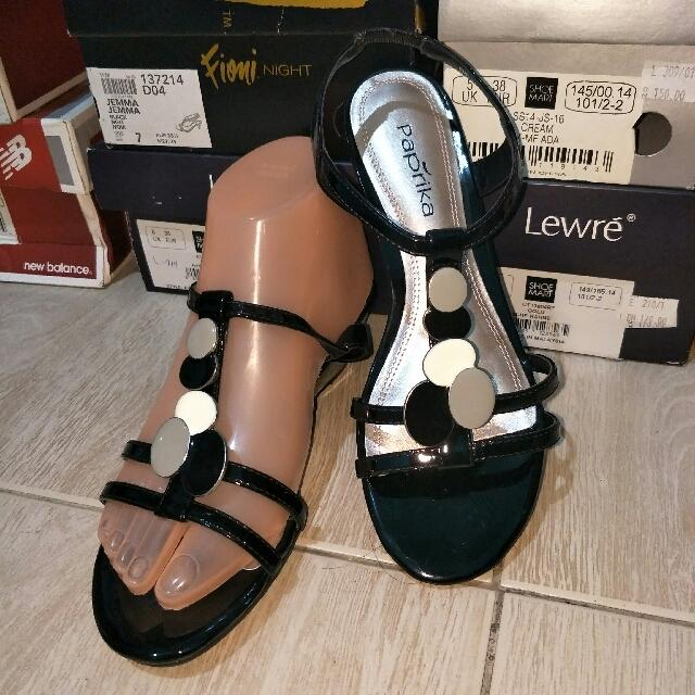 277b202bb52 Authentic Paprika Sandals Gladiator Strap Heel Size 5