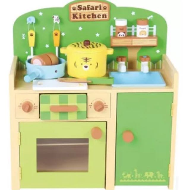 Brand new wooden safari animal kitchen play set
