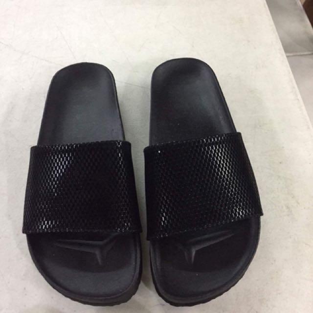 Gucci inspired slipper