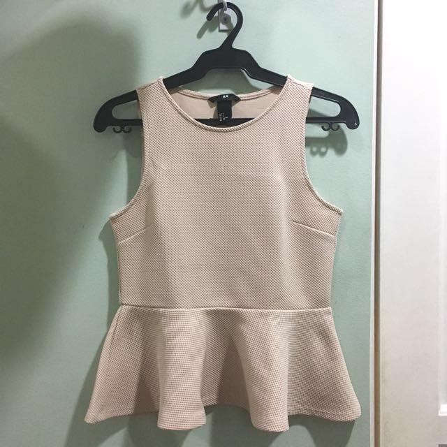 H&M texturized peplum top in blush