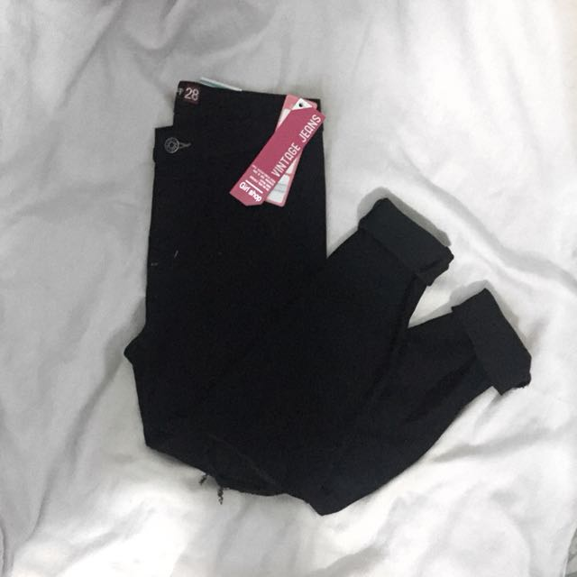 Joni Knee Ripped Jeans