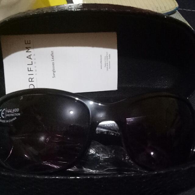 Kacamata merk Oriflame