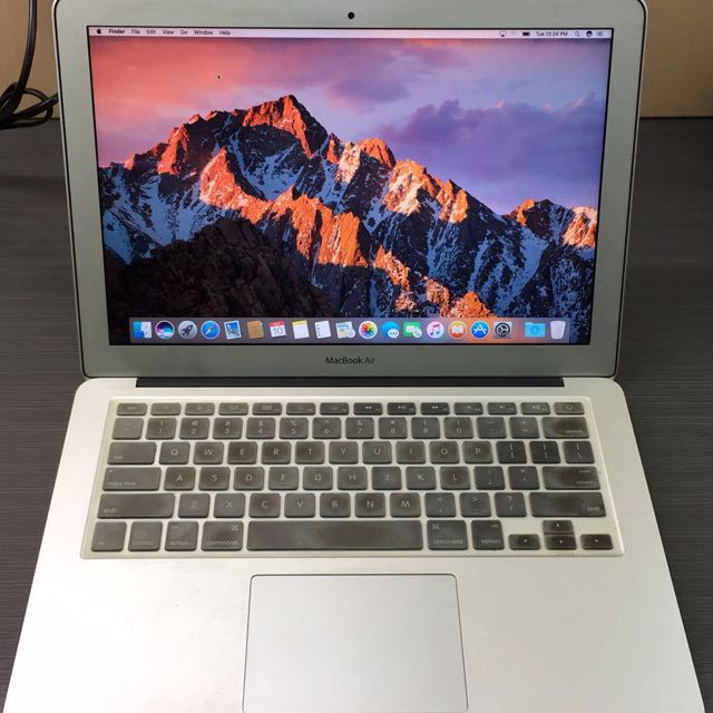 MacBook Air 13 inch (2011)