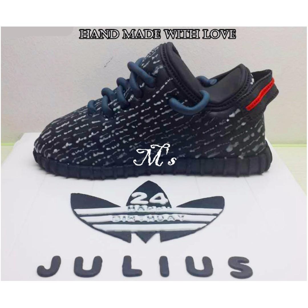 eebb5683449 Shoe Cake Adidas Yeezy Boost 350 cake 鞋子蛋糕