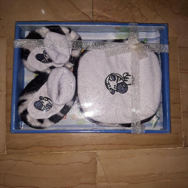 Topi Sepatu Set Bayi