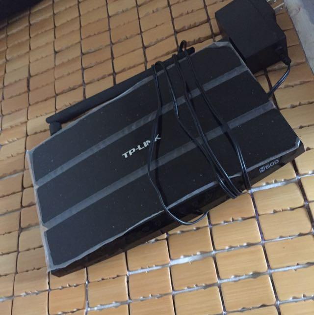TP-Link N600 (TL-WDR3600) Router無線分享器