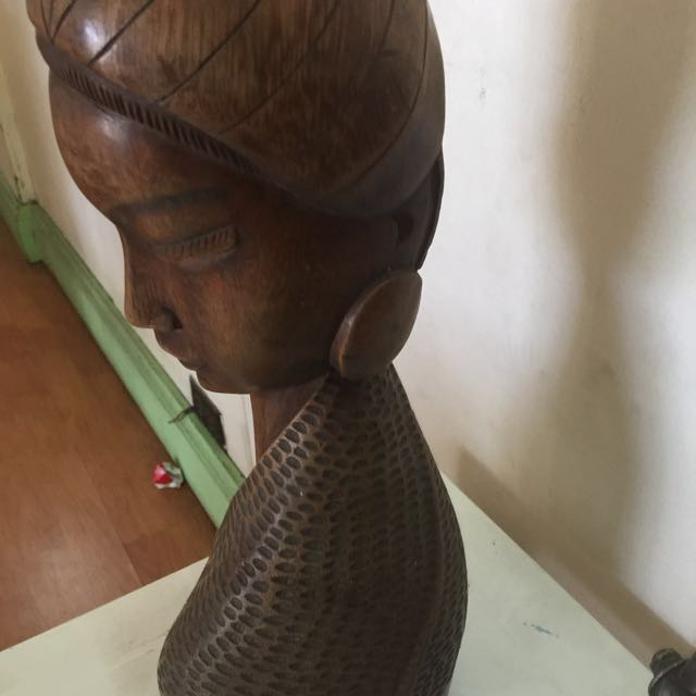 wood carved of filipina