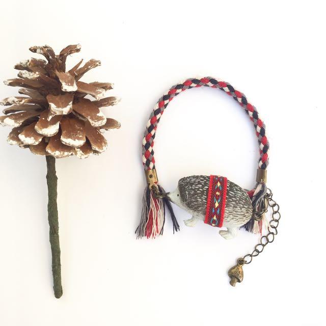 手作限定zoo系列刺蝟編織民族風流蘇手鍊.吊飾