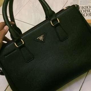 32b22053d4ae prada saffiano | Women's Bags & Wallets | Carousell Indonesia