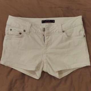 英國白色XS牛仔短褲 新二手