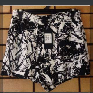 New w tags Portmans shorts Size 8