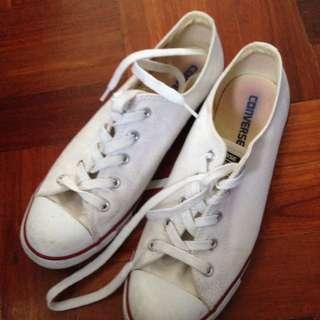 White converse size US 9
