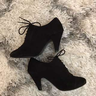 Black kitty heels