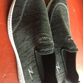 Fashion Sport shoes , sobrang Lambot sa paa