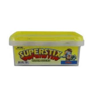 empty tupperware box