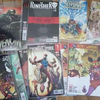 18 Marvel comics assorted Punisher#1, Venom#1
