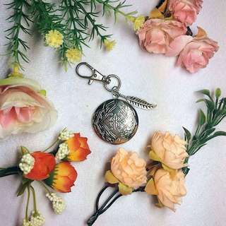 Personalized locket keychain