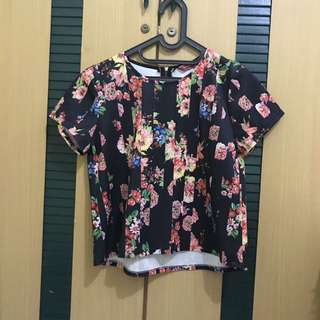 FLOWERS BLACK TOP
