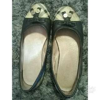 flat shoes Burberry