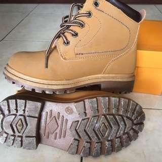 Kasut boot Kanak kanak
