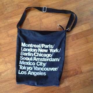 Preloved // American Apparel Tumblr-inspired sling bag