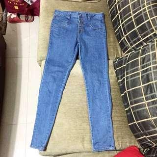 正韓 原價1800臺幣 韓國自己帶回 高腰窄管淺藍牛仔褲 28腰
