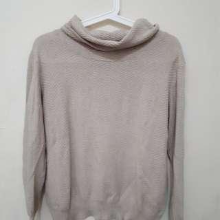 Beige sweater high/turtle neck top