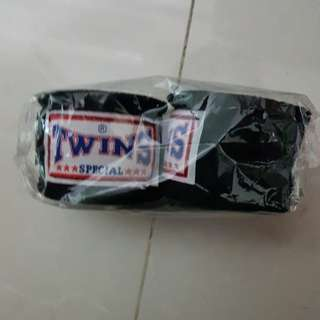 Twins special hand wrap
